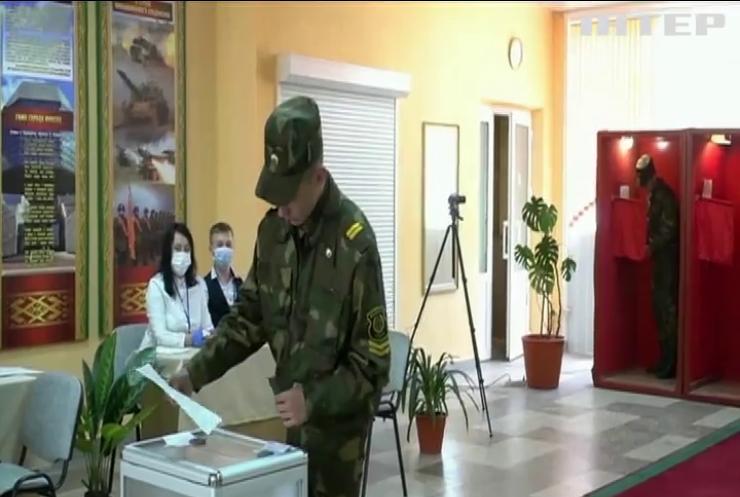 У Білорусі починається голосування на президентських виборах