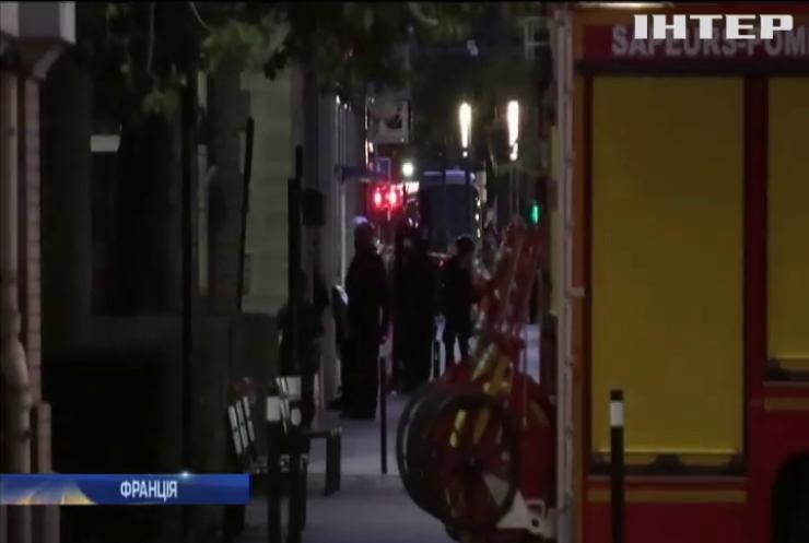 Озброєний терорист захопив у заручники відвідувачів банку у Франції