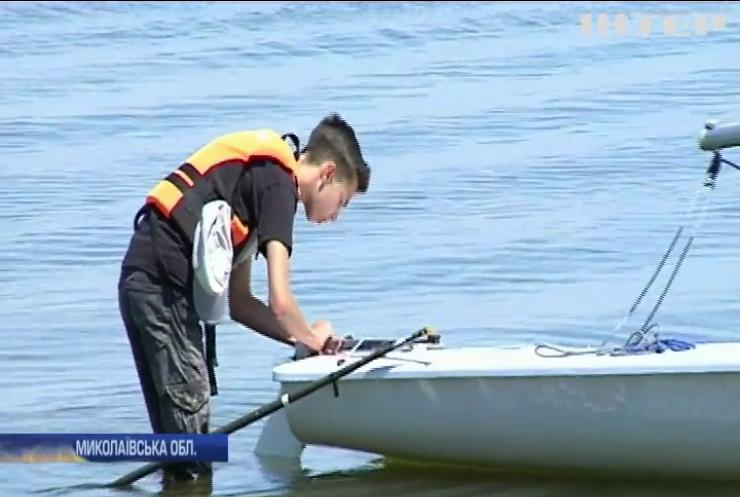 Діти Миколаївщини безкоштовно навчаються яхтингу
