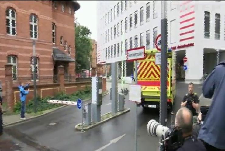 Поліція Німеччини взяла під цілодобову охорону клініку, де перебуває Навальний