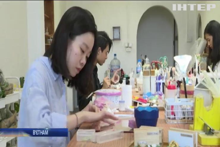 Майстриня з В'єтнаму виготовляє мініатюрні моделі кулінарних шедеврів