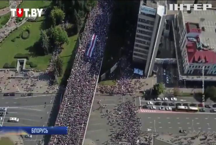 Опозиція Білорусі зібрала на мітинг рекордну кількість людей