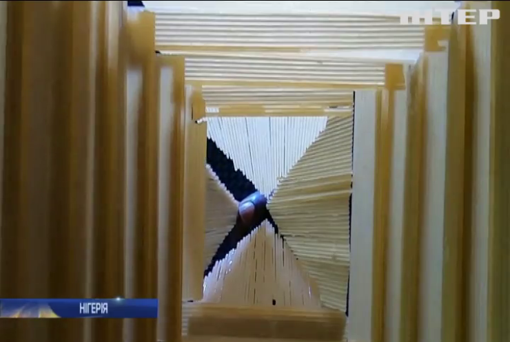 Художник з Нігерії майструє моделі найвідоміших у світі пам'яток зі спагетті