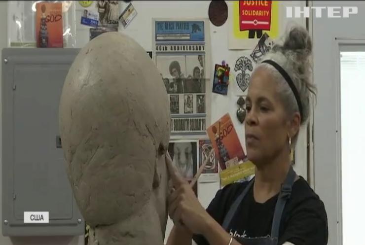 Американка створює скульптури афроамериканців з бронзи