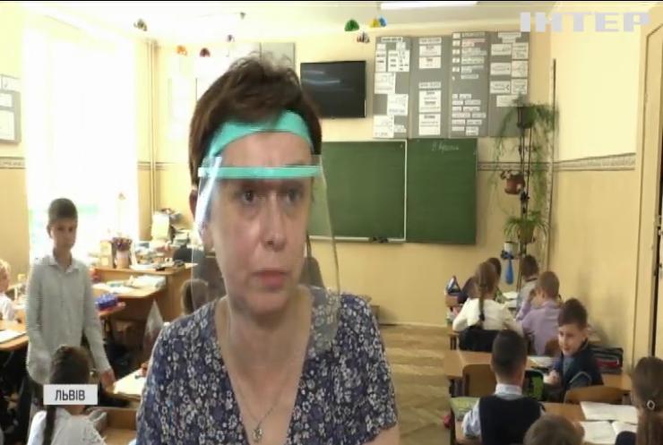 Українські вчителі можуть залишитися без надбавок