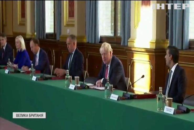 Лондон залякує Брюссель зривом угоди про Brexit