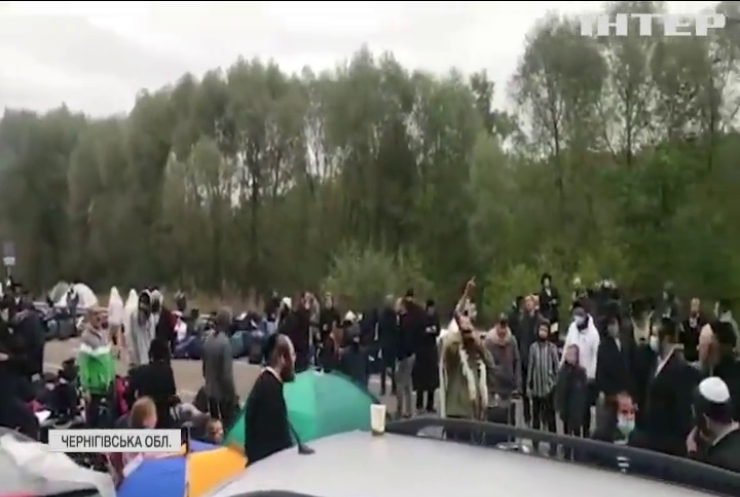 Хасидів на українсько-білоруському кордоні забезпечили їжею та водою
