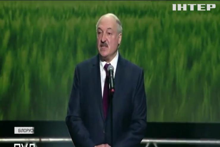 """Лукашенко побачив загрозу """"гарячої війни"""" та закрив кордони"""
