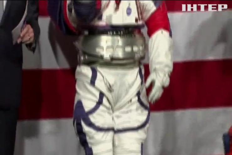 НАСА планує спорядити жінку на Місяць