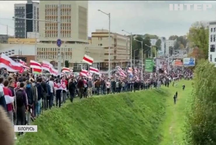 Латвія і Естонія відкликають своїх послів з Білорусі