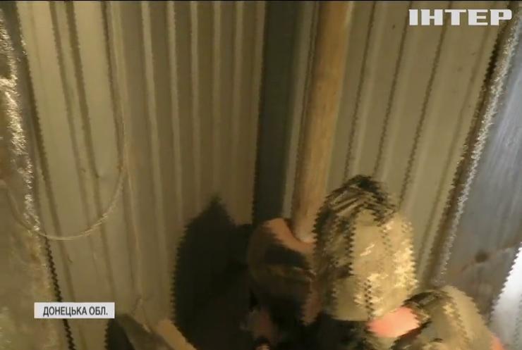 На Донбасі українські бійці готуються до холодів