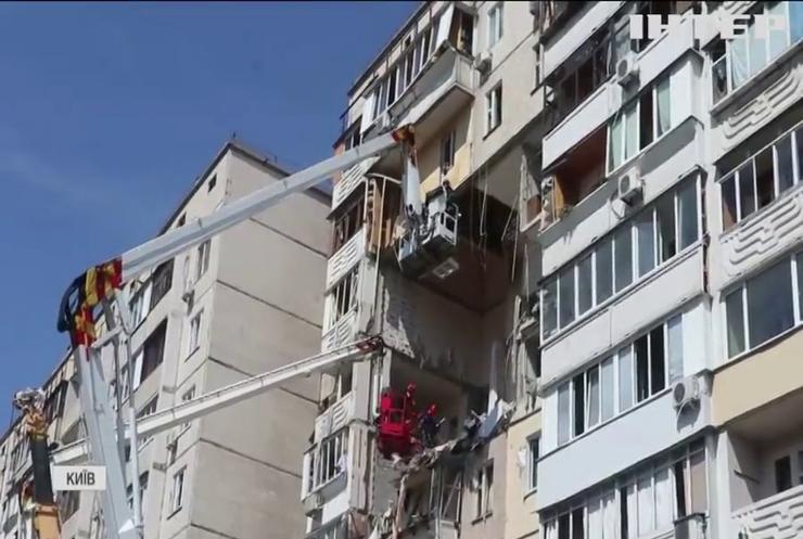 Вибух на Позняках: жителі будинку залишаються без обіцяних квартир