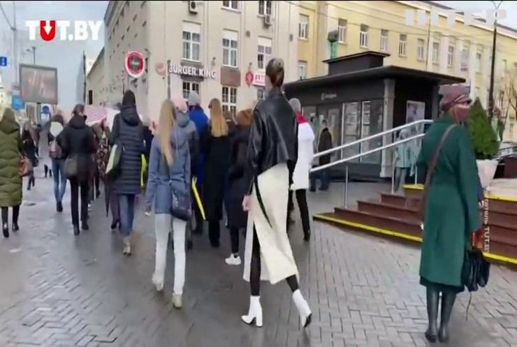 Силовики затримали учасниць жіночого маршу у Мінську