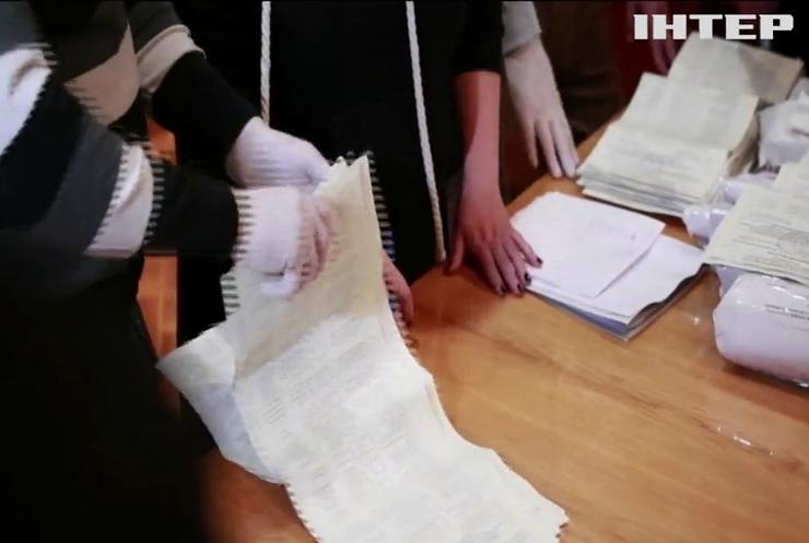 На Харківщині зафіксували нестачу бюлетенів та пошкоджені листки для голосування