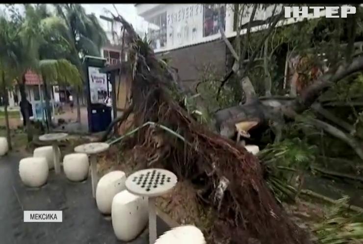 Узбережжя Мексики атакує потужний ураган