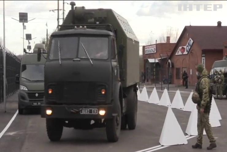 На Донбасі відновлюють пропуск людей та транспорту через лінію розмежування