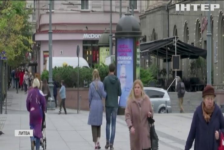 У Литві штрафуватимуть за куріння на балконах
