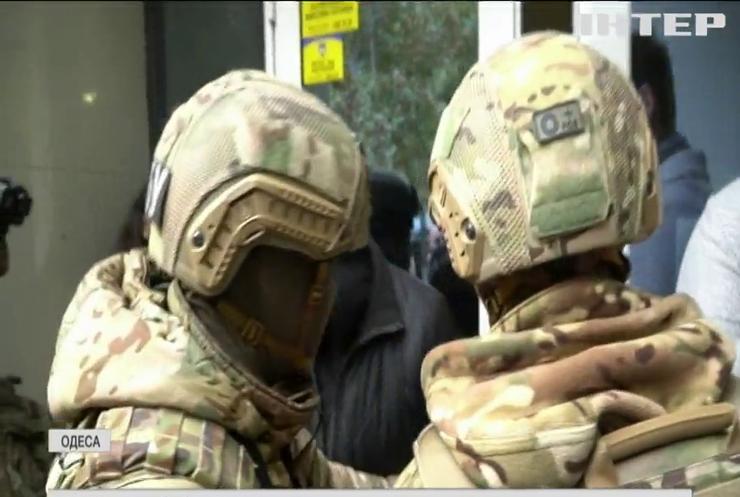 """В """"Опозиційній платформі - За життя"""" обурені незаконними обшуками в Одесі громадської приймальні екс-депутата"""