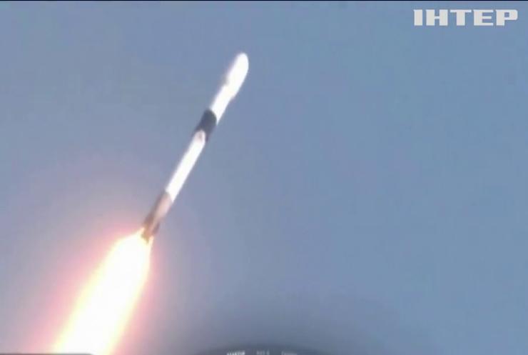 Falcon 9 готується до запуску на космодромі NASA
