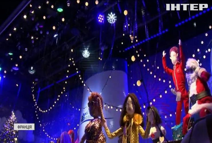 Культовий універмаг Парижу презентував різдвяні вітрини