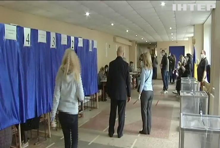 """Спостерігачі ГО """"ОПОРА"""" заявили про масові порушення на місцевих виборах в Україні"""