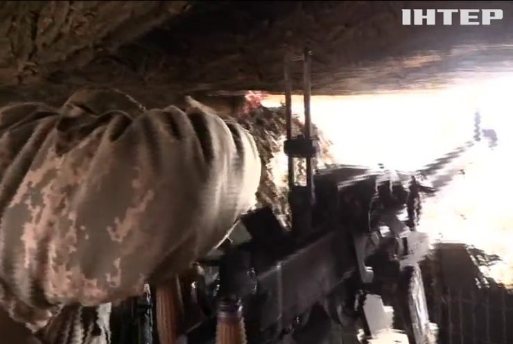 На Донбасі бойовики гатять з мінометів