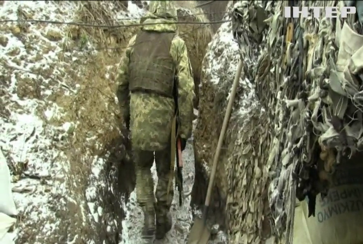 На Донбасі бойовики не припиняють обстрілів