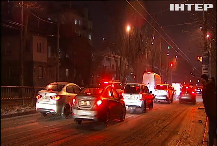 На Київщині та Житомирщині обмежили рух автошляхами