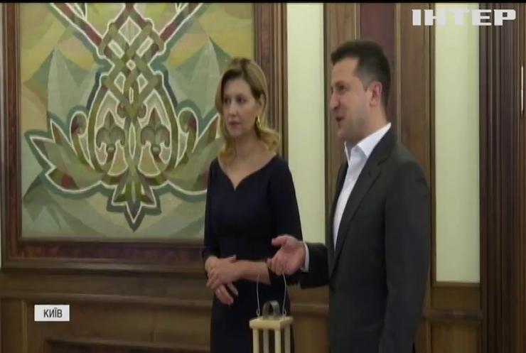 Володимир Зеленський з дружиною зустріли Вифлеємський вогонь в Україні