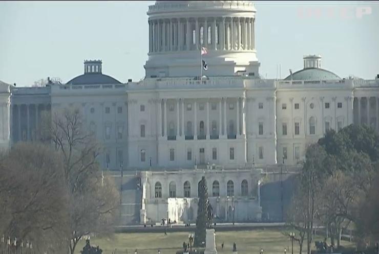 Конгрес США готує другий пакет коронавірусної допомоги