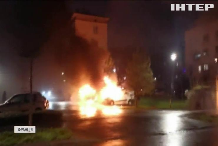 У Страсбурзі в новорічну ніч вандали спалили десятки автівок
