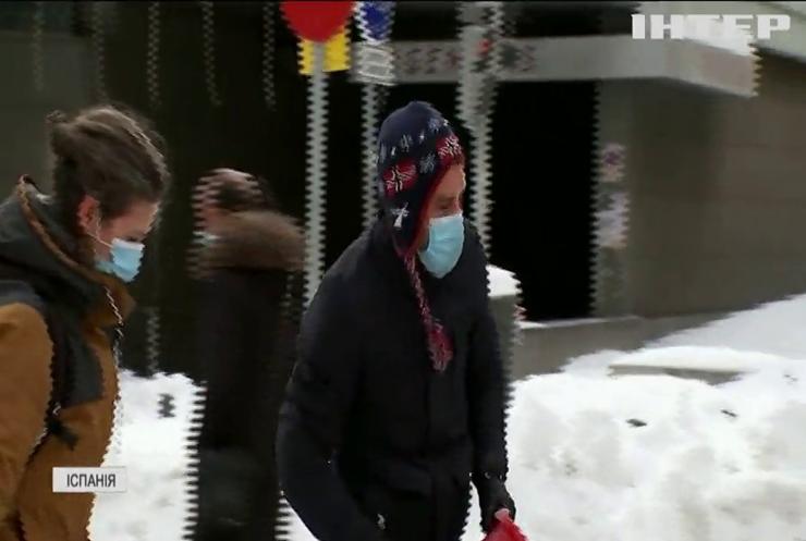 Жителі Іспанії зустріли небачений снігопад масовими забавками