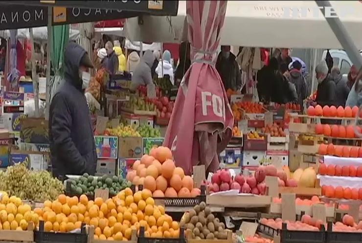 В Україні підприємців штрафуватимуть за відсутність масок у клієнтів