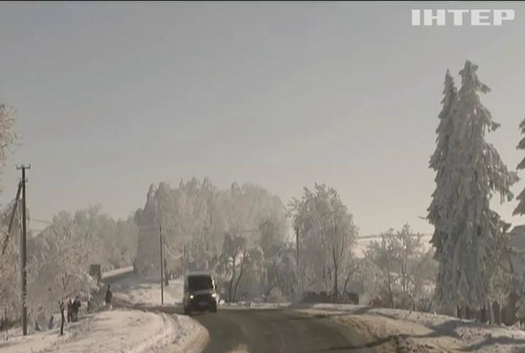Зима в Україні: у Карпатах очікують сходження лавин