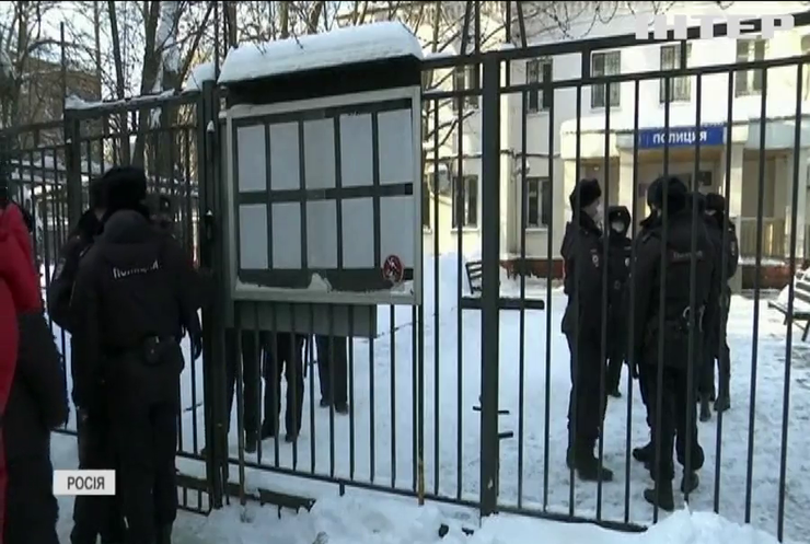 Міжнародна спільнота вимагає від Росії припинити переслідування Олексія Навального