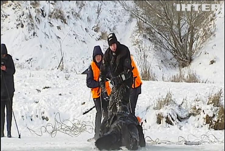 Зимова рибалка: рятувальники провели майстер-клас з виживання на льоду