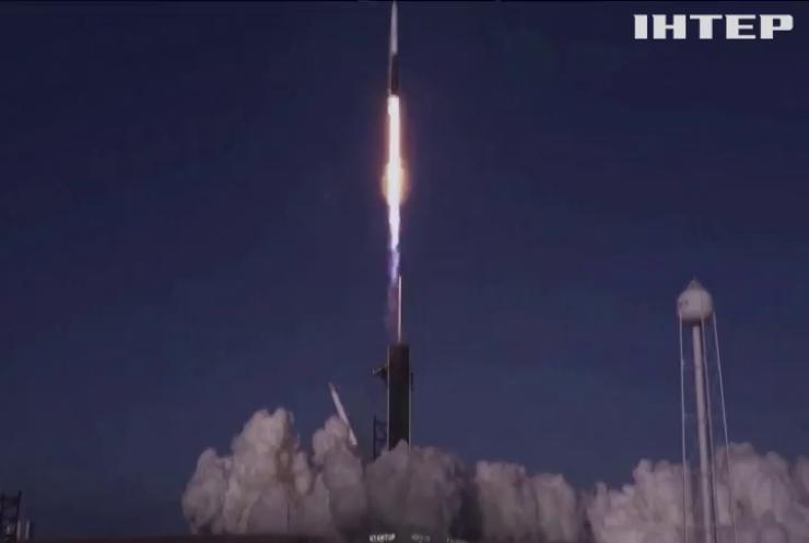 """Falcon 9 """"закинула"""" на орбіту супутники Starlink"""