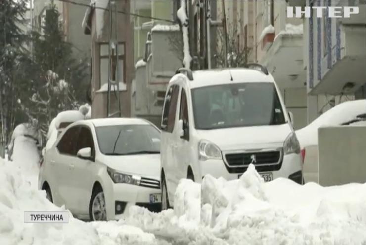 Стамбул замело снігом