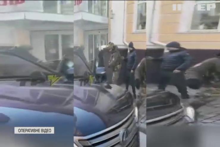 Спецоперація у Харкові: спецпризначенці затримали банду здирників