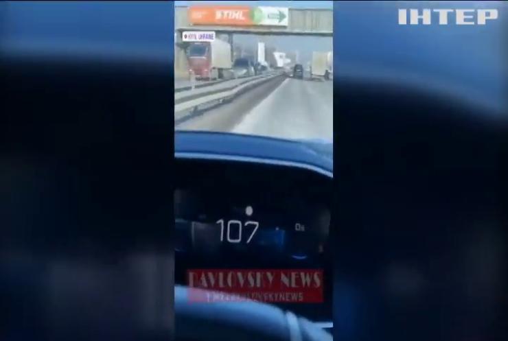 """Син депутата """"літав"""" по Києву на шаленій швидкості"""