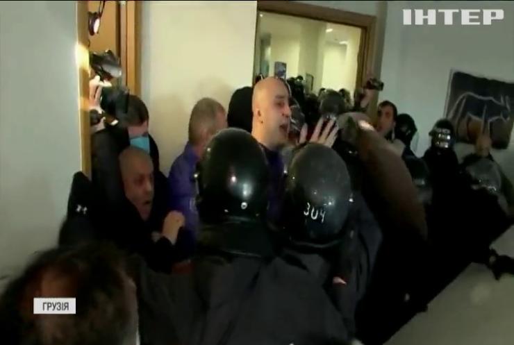 Протести у Грузії: люди вимагають звільнити опозиціонера