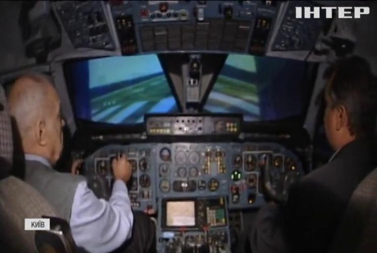 Легендарного льотчика-випробувача Олександра Галуненка привітали з 75-річним ювілеєм