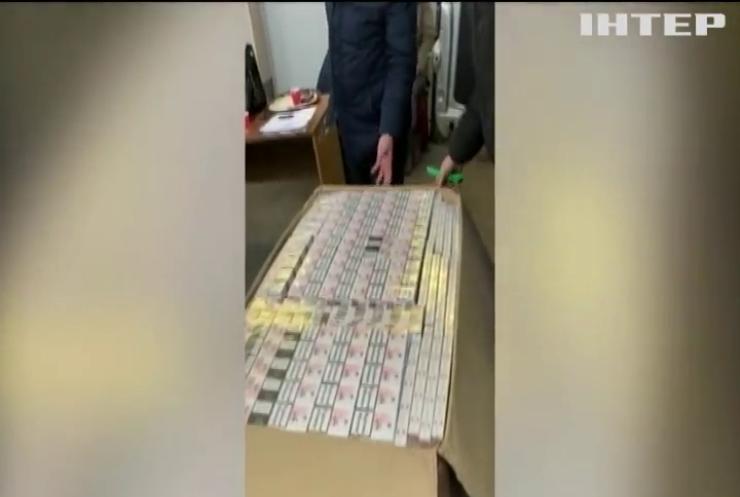 """Українські дипломати """"погоріли"""" на контрабанді (відео)"""