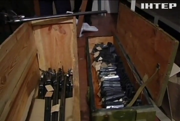 В Україні анулюють тисячі дозволів на зброю