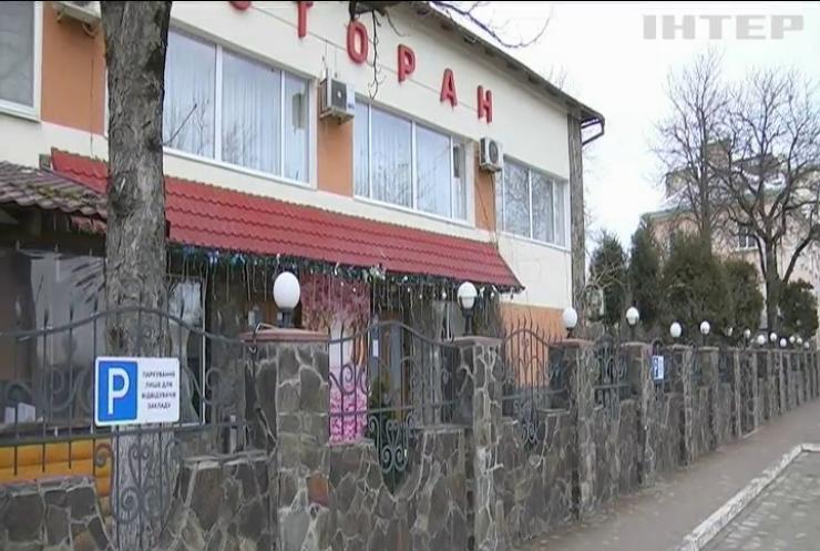 У переповнених лікарнях Івано-Франківщини пацієнтів з COVID-19 кладуть в коридорах