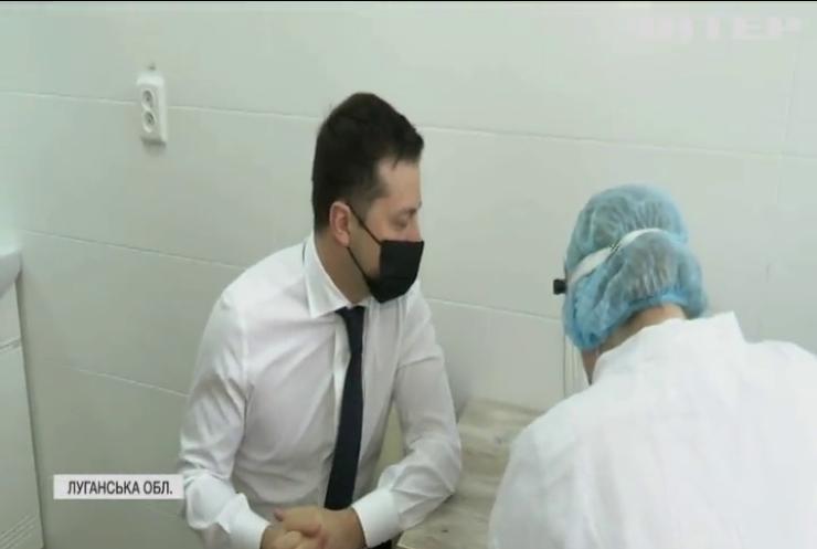 Володимир Зеленський вакцинувався індійською сироваткою Covishield