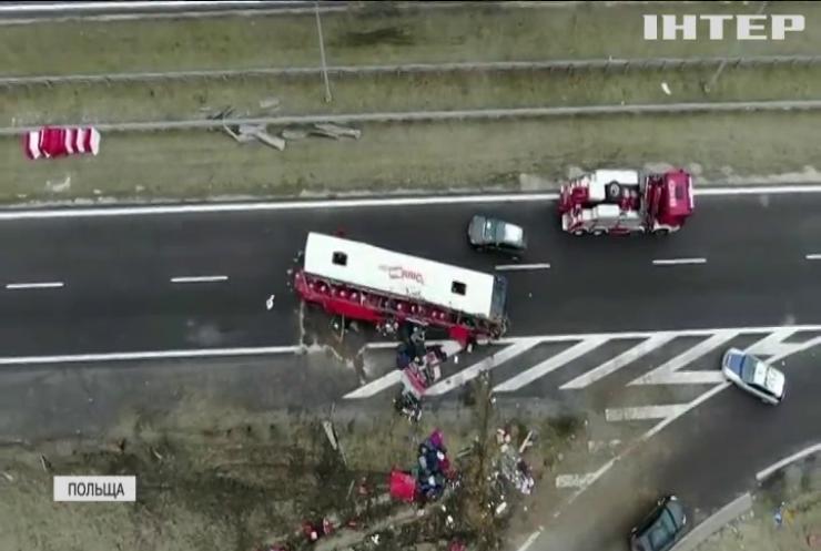 У Польщі автобус з українцями потрапив в ДТП