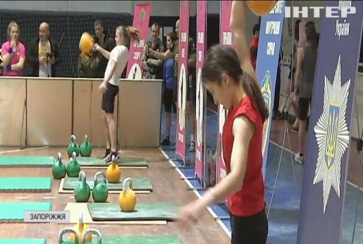 Неслабка стать: у Запоріжжі провели змагання з гирьового спорту серед жінок