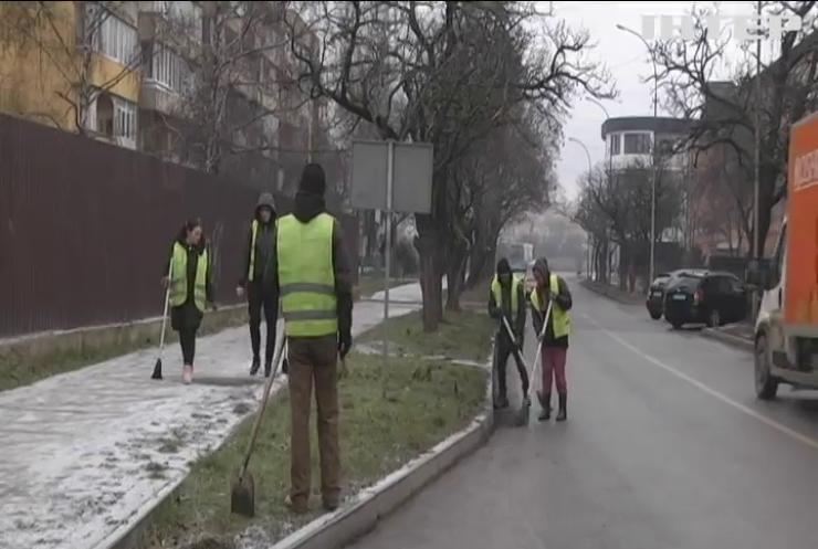 """Весняні """"сюрпризи"""": хто несе відповідальність за чистоту на вулиці"""