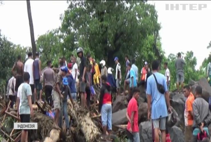 Повені в Індонезії затопили десятки будівель